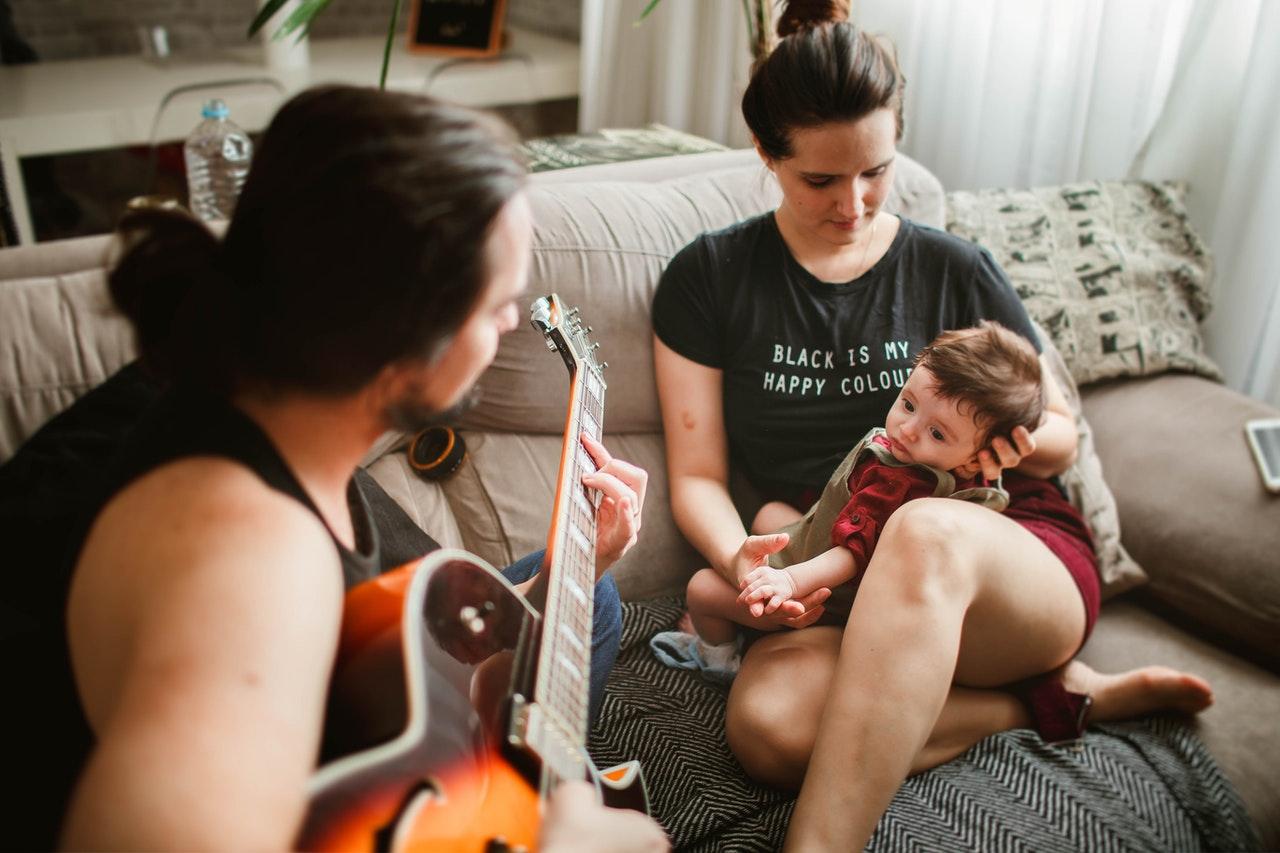 Read more about the article Des stratégies parentales simples pour tous les jours