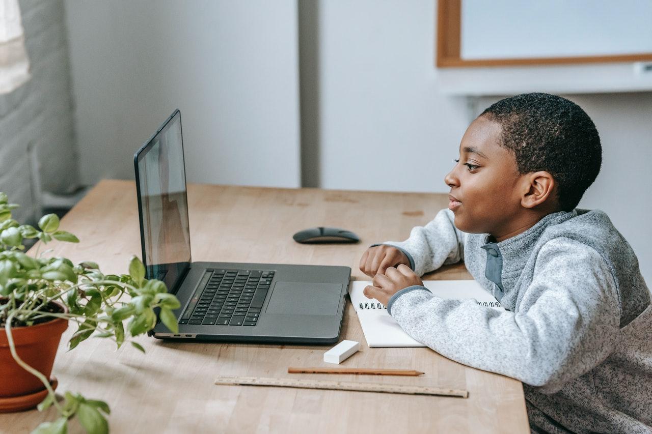 Read more about the article Conseils et idées d'éducation que les parents peuvent utiliser