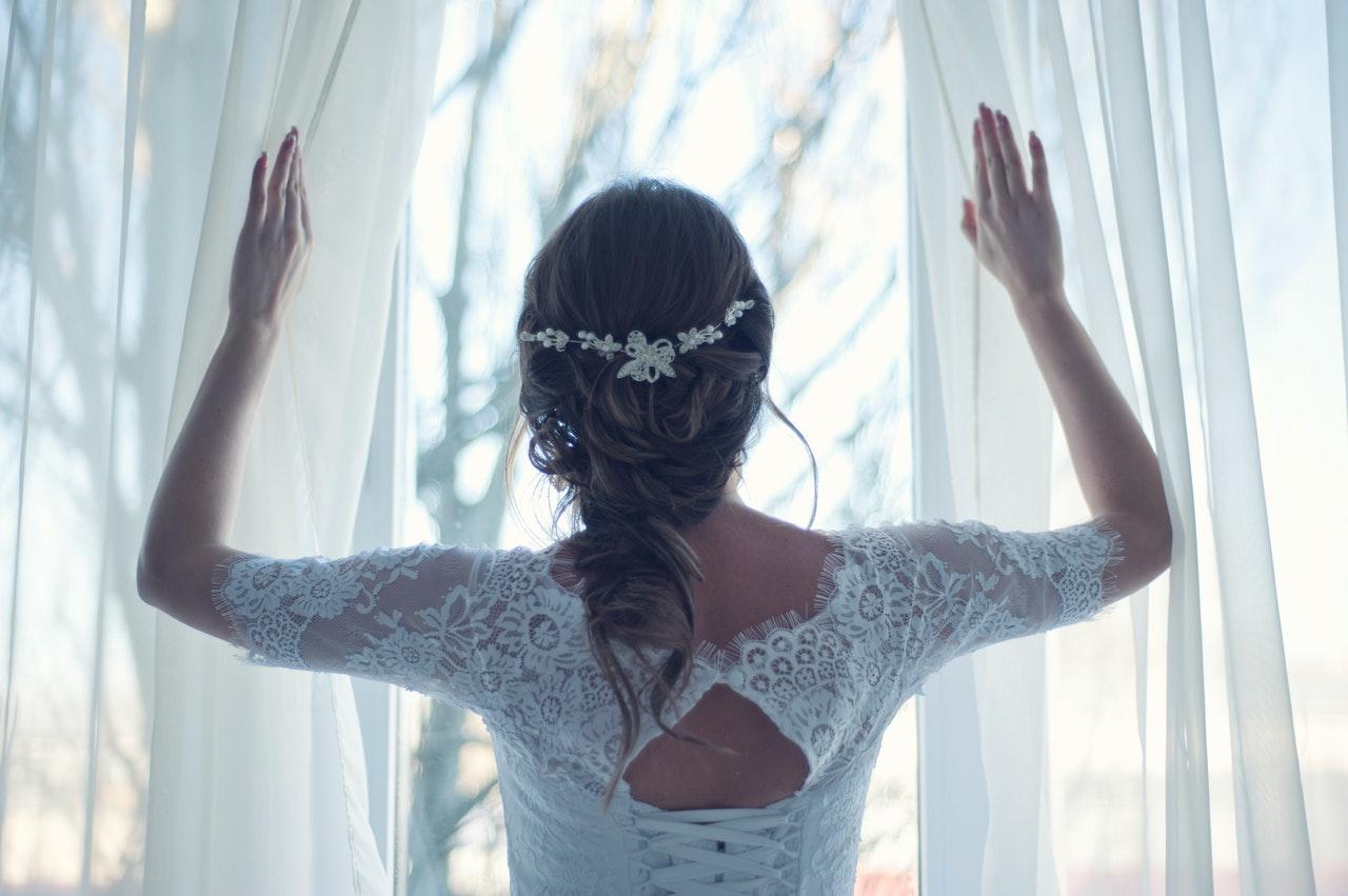 Read more about the article Comment choisir la meilleure robe de mariée pour un mariage civil